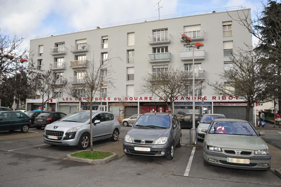 Inauguration de fin de chantier de réhabilitation thermique pour les 214 logements des squares Ribot, Siegfried et rue du Docteur Calmette à Melun